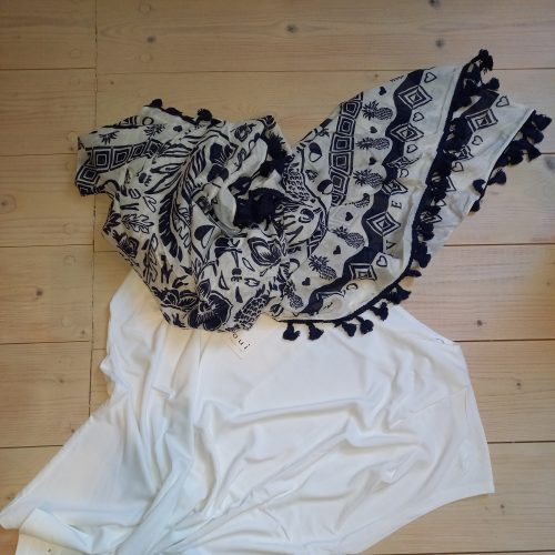 Shirt und Tuch  Oui